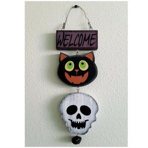 Halloween Black Cat and Skull Welcome Sign Decor